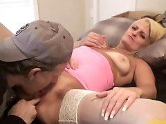 Курение блондинка malayu wife fuck получает киска ел