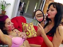 lipstick smearing kiss 4