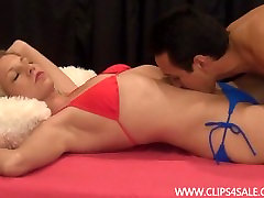 Belly Fingering And Pussy Licking