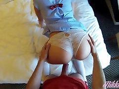 Kuum Briti Koolitüdruk imeda ja kurat tema õpetaja on hotellis tuba! Osa.1