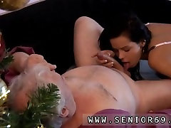 Bruce a dirty swinger milf black boy loves to plow youthfull gals like Petra.