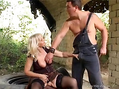 Old femdom evening anal sex porn outdoors