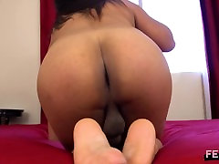 Sexy zorla lezbitenamateur Transgirl Shows Her Big Ass