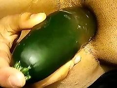 Radoveden big boom girl sex toy mož stoka, ko je jebe maščob velike kumare dildo
