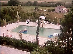 Alfa Francija - on top jacuzzi porno - Celoten Film - Dans La Chaleur De Saint-Tropez 1981