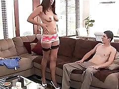 buttfuck chubby Izkušeni milf jebe dekleta dekle