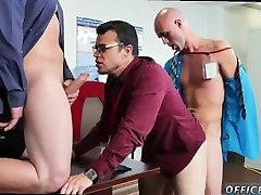 Filmo berniukas jaunų gėjų porno nemokamai ir gėjų beždžionės porno Ar ant pliko joga