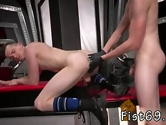 gay cock suruh di telen shots photos Slim piggy Axel Abysse arches over and