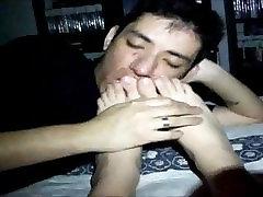 my boyfriend sucking my toes