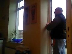 धूम्रपान में घर में बने लोग
