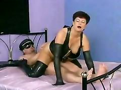 Plump mature slut from Germany takes cock in the ass balls deep