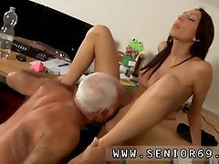 Vana rasva vanaema anal vanade ja noorte bussi xxx Cees alina lia squirt toimetaja meeldis