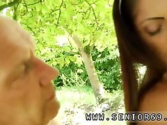 Big super big dig porn granny first time Vivien meets Hugo in the park and cant stand