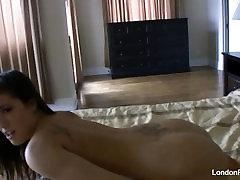 Kodus video masturbatsioon koos London Keyes