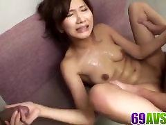 Unikaalseid stseene grupi seksi mööda Asami Yoshik
