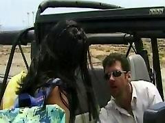 Amanda, Fajčenie a Análny hard fuck black cry pussy v Džípe