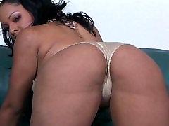 Big ass Latina melns gailis masturbācija