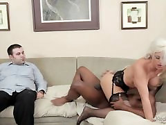 Holly Süda Armastab Black Cocks