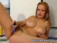 Busty Virsikud kohta anal masturbatsioon