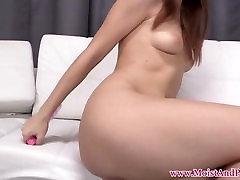 Pissing fetišs babe masturbē