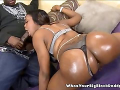 Chocolate Mami Gets Creampied By Monstercock