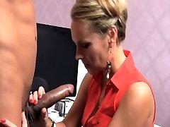 Love Creampie Massive cock delivers huge load of cum deep throating fantasie sexy MILF