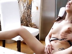 Stylish dildo xxxxy bf videos of her sweet pussy