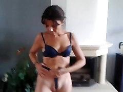 Rubbing my cameltoe pussy