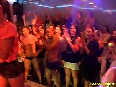 Hullud Teismelised Imeda Ja Pauk CFNM Strippers