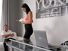 Office daydreamer fucks sexy secretary in the ass