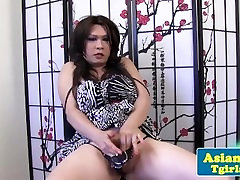 Chubby jav old sex tgirl amateur posing and tugging