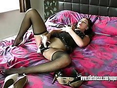 Horny babe Vicky orgasms wanking and fucking clit wih slutty high heel shoe