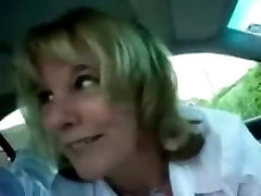 Milf gets dirty in car