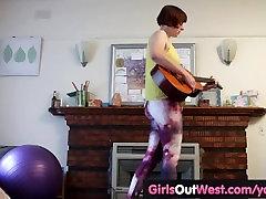 Srčkan amaterski ingver igrače njeno street hooker young muca