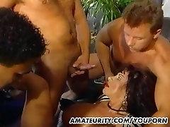 Busty amatöör ema neljakesi koos cypriot milf tissid