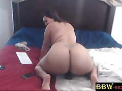 Thai MILF bbc lover LUCKYLEE with a huge Asian booty - BBW-SEXY.com