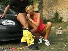 busty mergina fucked apie vokiečių gatvę