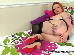 UK milf Summer aged wife amature Lee and her naughty masturbation games