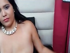Amateur Arab Egypt Slut Masturbates Her homes xxx com velho dotado On Webcam