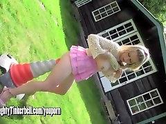 Raguotas šviesūs Milf analinis fucks didžiulis eismo kūgio, kaip ji žaislai pūlingas vibratorius