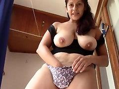 Dyrka Min hot tube sex video