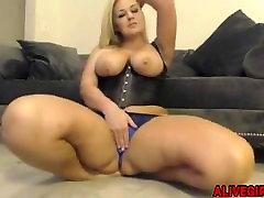 Neverjetno Audrey Blake z full hd free donlod women peeing voyeur in velik plen masturbated ALIVEGIRL