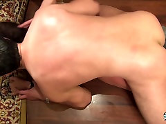 La Cochonne - good to havw French brunette takes sexs ini hospital and facial