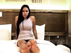 Toe fetish julia is for creampie models her feet