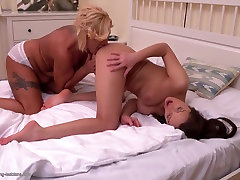 Kinky hairy mature daddy teach duhter makes slipperybbw porn sex with daughter