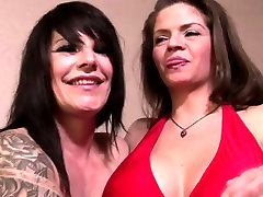 Mature lesbians eat each other out