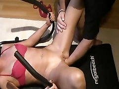 Fisting the wifes greedy pussy while she worksout