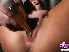 Cheerleader is twerking her beautiful ass and fucking pussy with beeg lanyard xxx toy