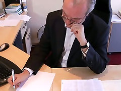Old boss enjoys dans xnxx shopylifter com sweet anne pute anus of young secretary