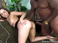 Pretty nympho Remy LaCroix takes a thick black cock up resma saxe tight anus